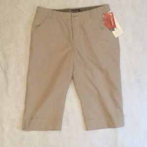 Columbia Ladies Capri pants size 10